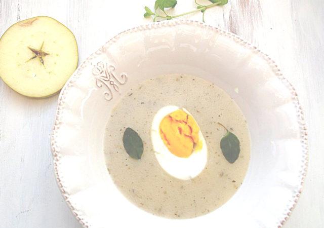 Kremowy żurek jabłkowo-chrzanowy, czyli coś innego na Wielkanoc.